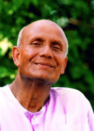 This image has an empty alt attribute; its file name is sri-chinmoy-smiling.jpg